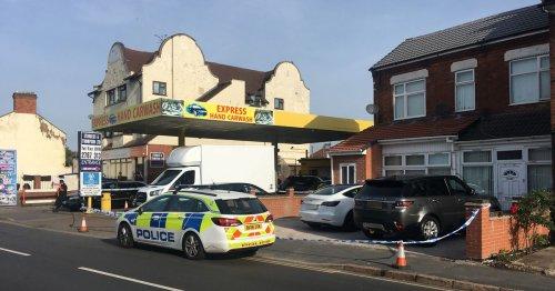 Police cordon remains following stabbing on Gipsy Lane