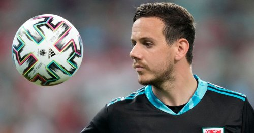 Liverpool beat Stoke City to sign Euro 2020 keeper Ward claims Saunders