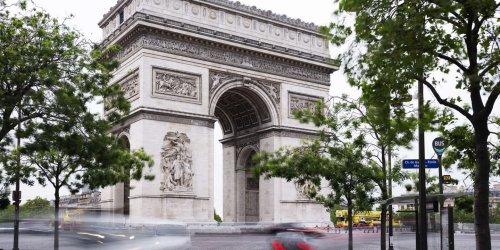 Rond-point gigantesque et haut lieu des mémoires : la place de l'Etoile, un joyeux désordre géométrique