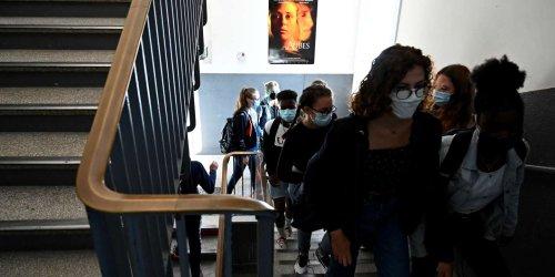 Dans les collèges et lycées, les élèves non vaccinés seront évincés en cas de Covid-19 dans une classe