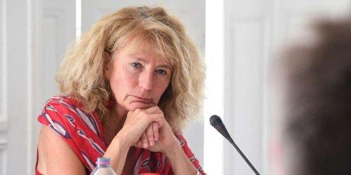 Du masque qui « ne sert à rien » aux vaccins qui « ne protègent personne » : Martine Wonner, itinéraire d'une députée sous influence complotiste
