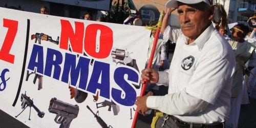 Le Mexique poursuit des fabricants d'armes américains, une première