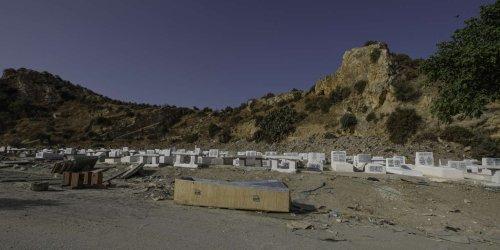 « Le cimetière est saturé » : à Tunis, on enterre à la chaîne les morts du Covid-19