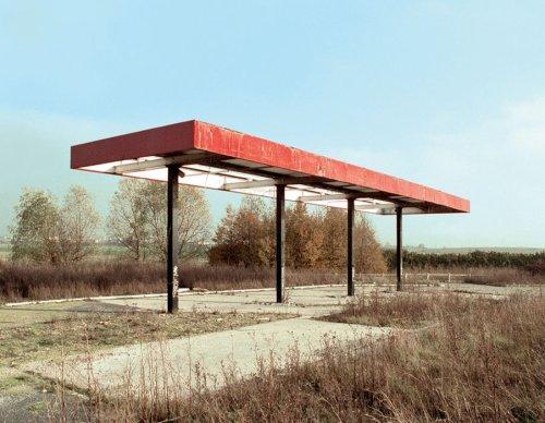 Twentysix Abandoned Gasoline Stations - Photographs by Eric Tabuchi | LensCulture