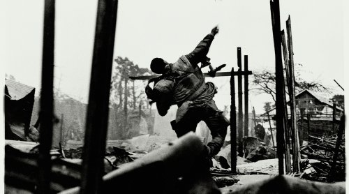 Don McCullin - Photographs by Don McCullin | Exhibition review by Mark Durden | LensCulture