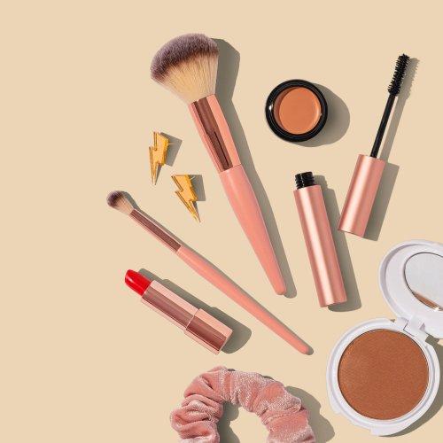 Guide : Comment maquiller votre visage naturel ? – LesDeals 🥇 Source #1 des Top Deals, Bons plans et Comparatifs