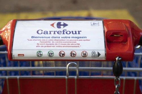 Carrefour augmente ses rachats d'actions après un solide 1er semestre en France