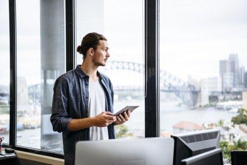 Freelances et indépendants : s'installer à l'étranger en toute légalité