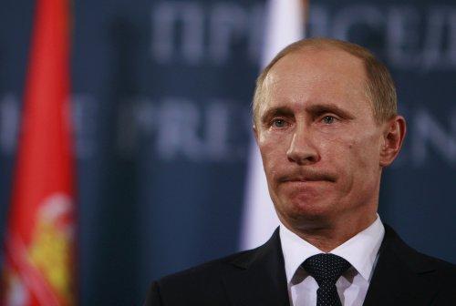 """Poutine menace l'Occident de représailles en cas de franchissement des """"lignes rouges"""""""