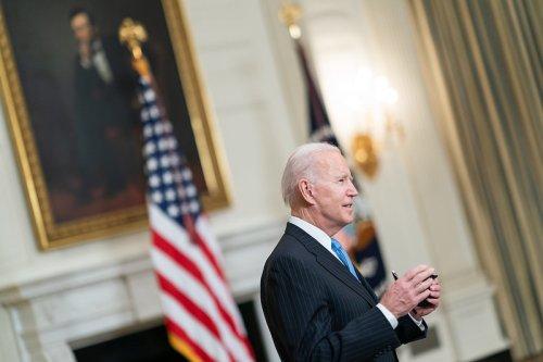 Joe Biden annonce un accord sur un plan d'infrastructures de 1.200 milliards de dollars