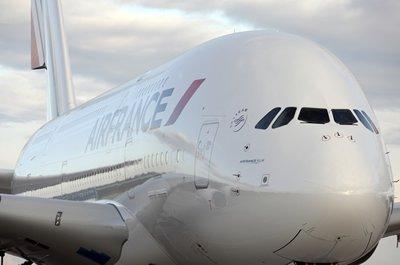 Air France-KLM prend des mesures pour recapitaliser Air France, Paris monte au capital