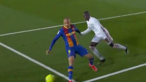 Phase polémique lors du Clasico: le Barça aurait-il dû bénéficier d'un penalty? (vidéo)
