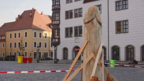 Censée représenter une asperge, cette sculpture installée en Allemagne laisse les habitants perplexes (photo)