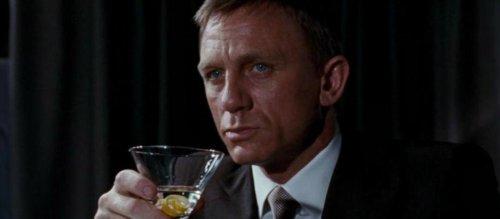Trois cocktails à reproduire pour se mettre dans la peau de James Bond