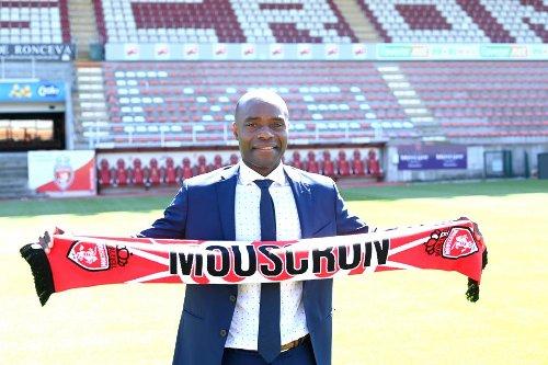Mbo Mpenza: «Resituer Mouscron sur la carte du football»