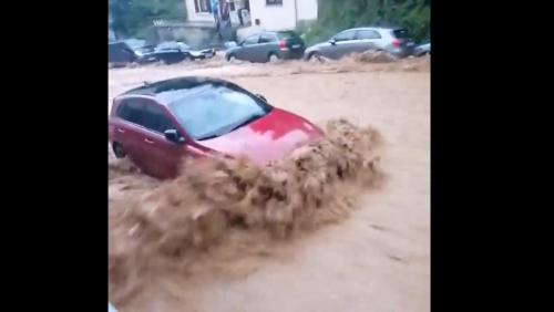 Inondations: les images impressionnantes de l'arrivée des eaux à Dinant en quelques minutes à peine(vidéo)
