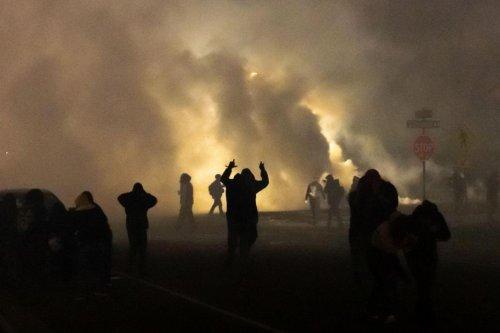 Etats-Unis: manifestations après la mort d'un jeune noir dans une fusillade avec la police (photos)