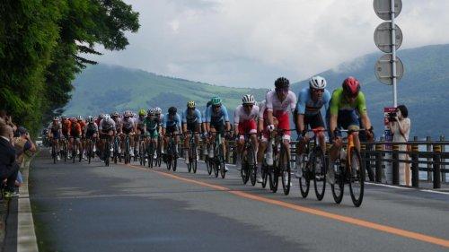 JO 2020, cyclisme: le peloton revient à toute allure derrière les 5 hommes de tête (direct)