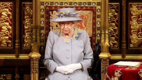 Elizabeth II renonce à participer à la COP26 pour «se reposer»