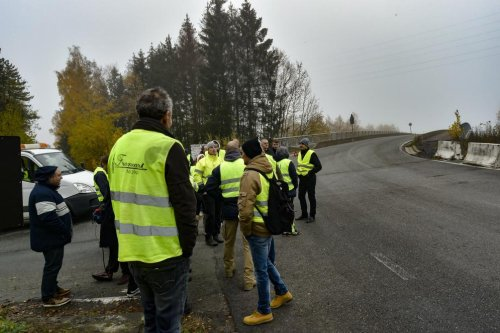 France: un retour timide des «gilets jaunes» sur les ronds-points