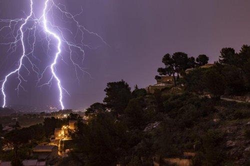 Météo: l'IRM lance une alerte jaune aux orages, le 1722 réactivé