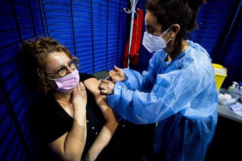 Coronavirus: voici les symptômes particuliers des personnes vaccinées