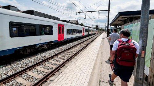 Un train reliant Saint-Ghislain et Liège évacué à Bruxelles en raison d'une panne