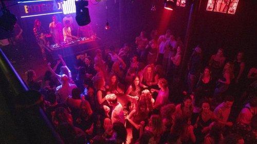 Royaume-Uni: une vague de piqûres pour droguer des étudiantes en discothèques