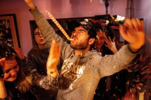 Des étudiants américains organisent des soirées spéciales «contamination covid»