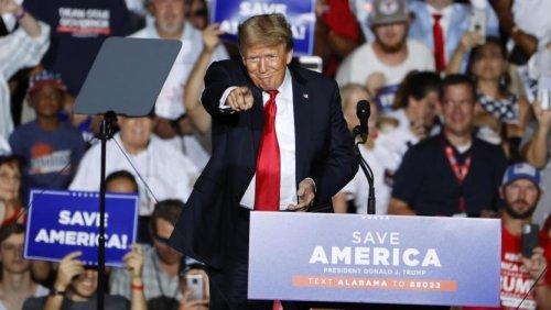 Etats-Unis: de nouveaux documents prouvent que les conseillers de Trump savaient que leurs théories du complot étaient fausses