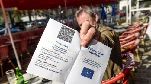 Coronavirus: La Wallonie se tâte sur le pass sanitaire alors que l'épidémie s'accélère