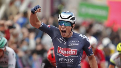 GP de Denain: trois sur trois pour Jasper Philipsen, vainqueur au sprint devant Jordi Meeus