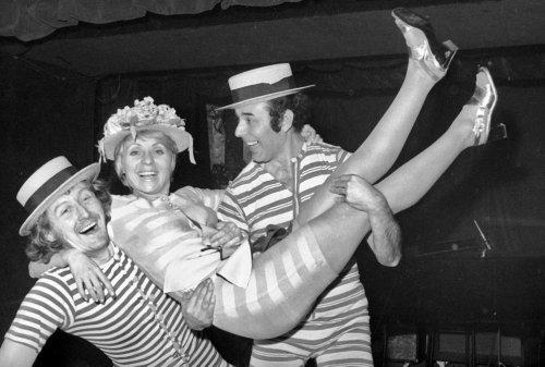 Quand la Belgique était heureuse (7): cotillons, Hop diguidi et humour belge