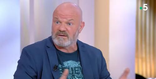 Irrité, Philippe Etchebest (Top Chef) tient à rectifier l'image qu'il renvoie à l'écran : « Je ne crie jamais dans mes cuisines »
