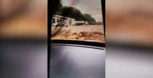 Les images effrayantes d'une Dinantaise piégée dans sa voiture sous un torrent de boue (vidéo)
