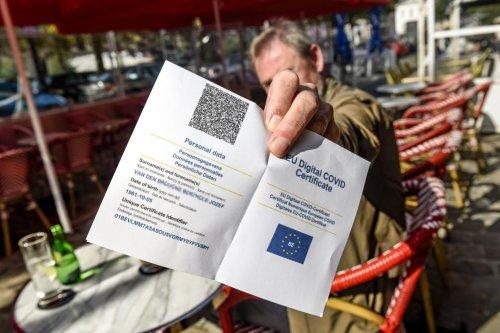 Le Covid Safe Ticket reporté à Bruxelles: le MR dénonce «le chaos, après la désorganisation vaccinale»