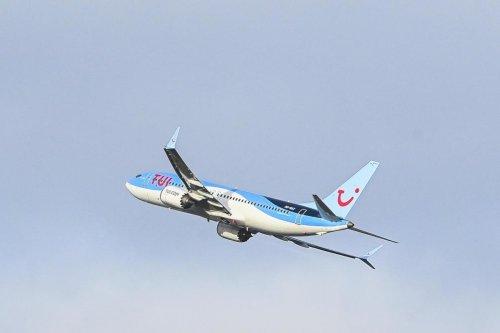 Un avion atterrit (en retard) à Paris au lieu de Bruxelles : les passagers se rebellent et restent dans l'avion