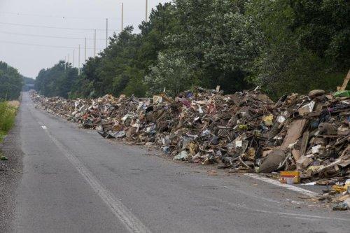 Inondations: les déchets déposés sur l'A601 pourraient cacher des cadavres