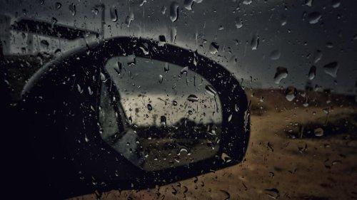 Quand la ville de Dubaï 'manipule' la météo avec des drones pour faire tomber la pluie (vidéo)