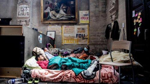 Reprise de la grève de la faim à l'église du Béguinage par une femme sans-papiers