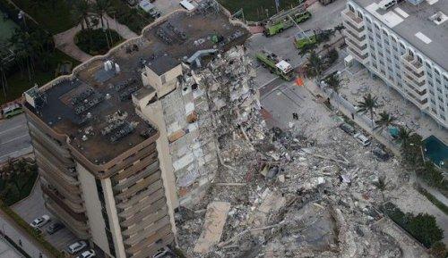 EN IMAGES. Un immeuble s'effondre en Floride : au moins un mort, un lourd bilan redouté