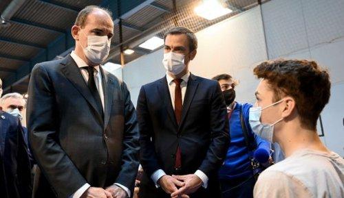 """Covid-19 : comment le gouvernement compte briser le """"plafond de verre"""" vaccinal"""
