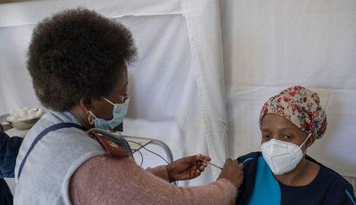 Covid-19 : quatre questions sur le projet de production de vaccins en Afrique