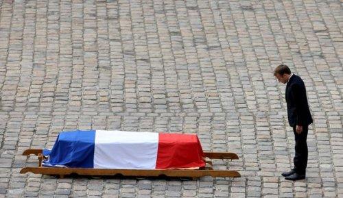"""Hubert Germain: aux Invalides, l'adieu à """"l'ultime héros"""" des Compagnons de la Libération"""