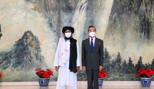 """Rapprochement Chine-talibans : """"Pékin veut sécuriser ses intérêts dans la région"""""""