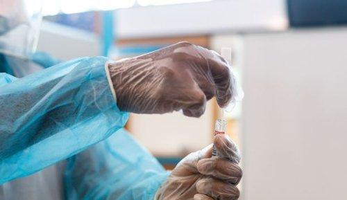 Vaccination : l'Académie de médecine recommande de ne plus rembourser les tests PCR