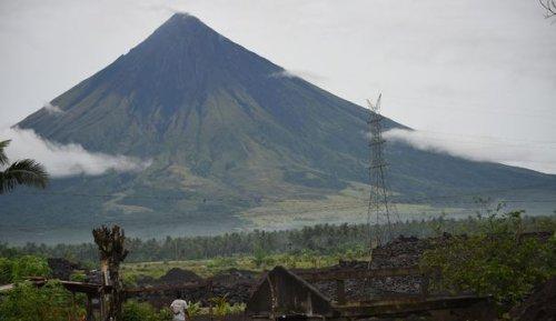 """""""Plus d'endroit sûr"""": aux Philippines, les victimes des typhons vivent dans la peur"""