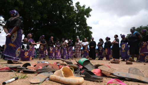 """""""Ils n'ont fait de mal à personne"""": le cauchemar des parents d'enfants kidnappés au Nigeria"""
