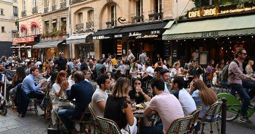 A Paris, une centaine de rues piétonnisées pour des terrasses éphémères