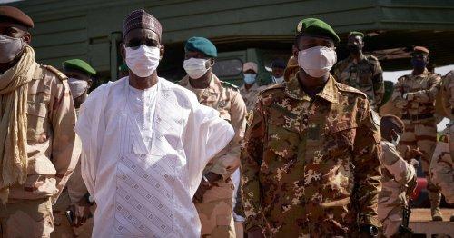 Au Mali, la crise pointe à nouveau après l'arrestation du Président et du Premier ministre